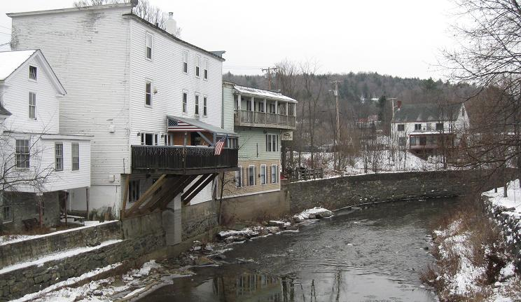 The eastern and western banks of the deerfield river for Crafts inn wilmington vt